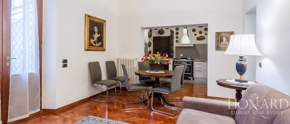 Dream villa for sale in Florence Image 43
