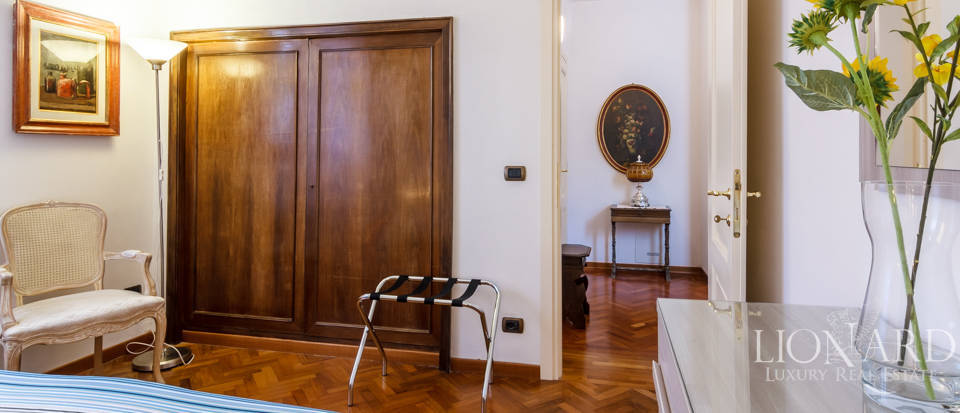 Dream villa for sale in Florence Image 50