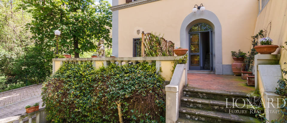 Dream villa for sale in Florence Image 26