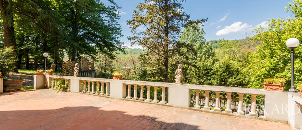 Dream villa for sale in Florence Image 23