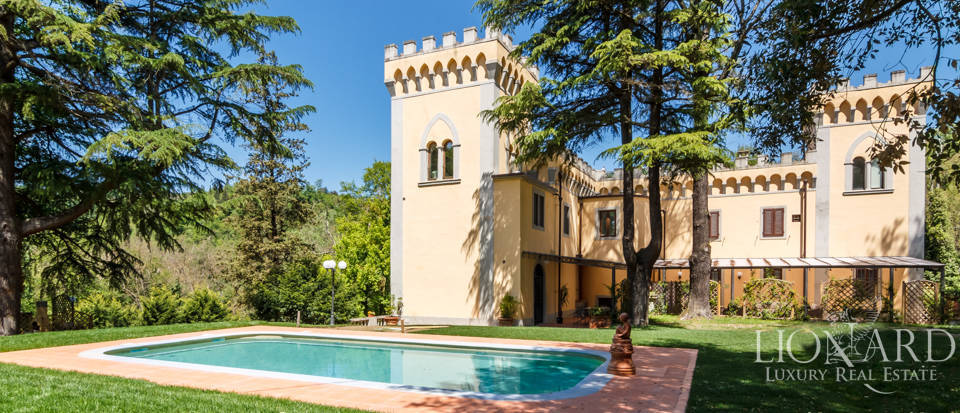Dream villa for sale in Florence Image 12