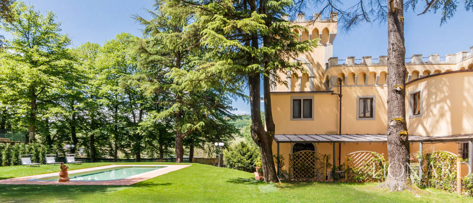 Dream villa for sale in Florence Image 16