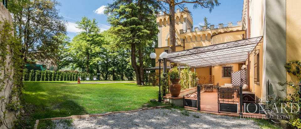 Dream villa for sale in Florence Image 17