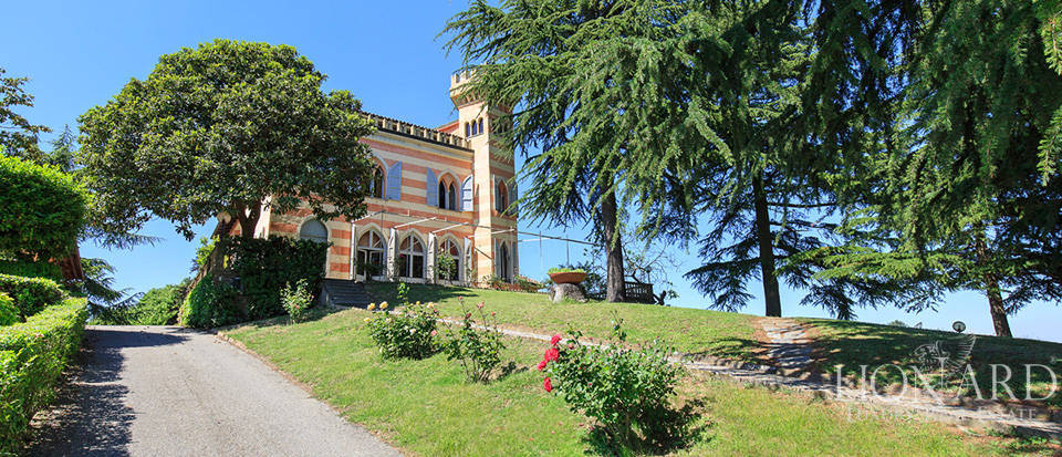 castle for sale near asti