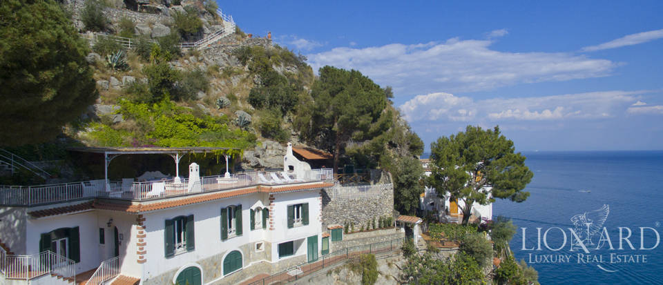 Luxury villa by the sea in the amalfi coast lionard for Lionard luxury real estate