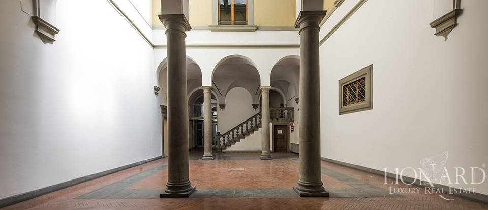 Wonderful renaissance palazzo in central Florence Image 1
