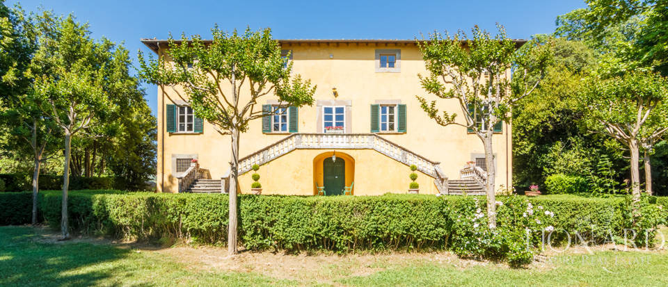 Luxury villa for sale in Lucca Image 9