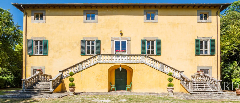 Luxury villa for sale in Lucca Image 11