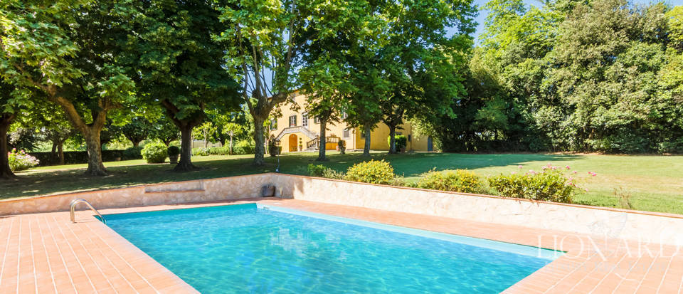 Luxury villa for sale in Lucca Image 13