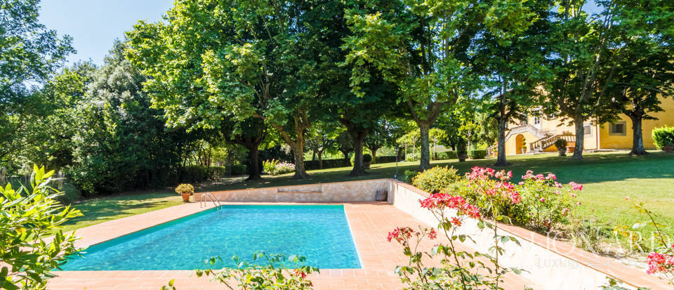 Luxury villa for sale in Lucca Image 17
