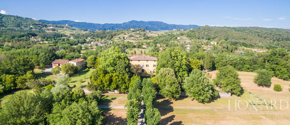 Luxury villa for sale in Lucca Image 46