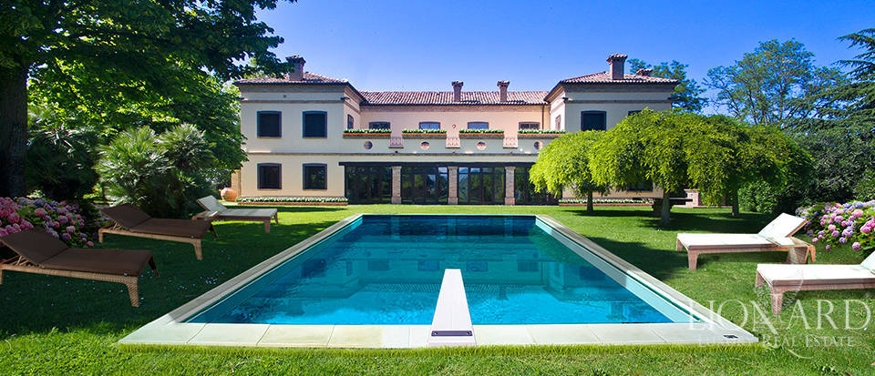 Prestigious estate for sale in Emilia Romagna Image 1
