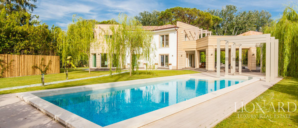 luxurious villa with pool in forte dei marmi