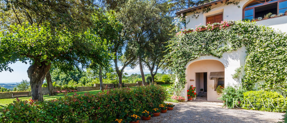 Refined farmstead for sale in Tuscany Image 25