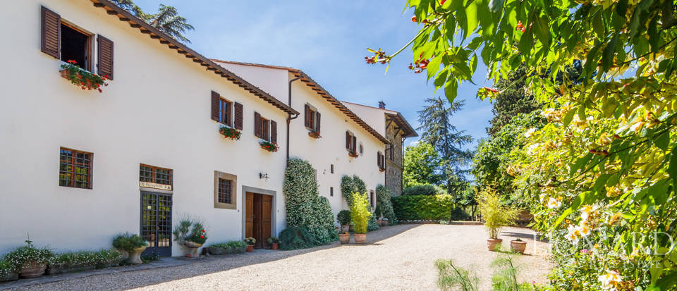 Refined farmstead for sale in Tuscany Image 39