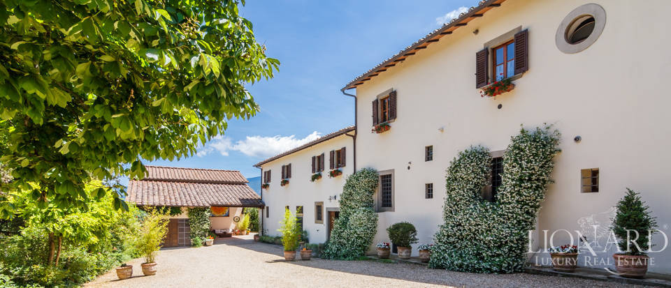 Refined farmstead for sale in Tuscany Image 41