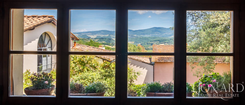 Refined farmstead for sale in Tuscany Image 42