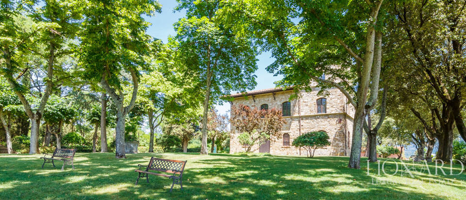 Refined farmstead for sale in Tuscany Image 43