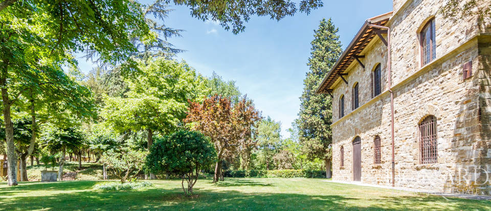 Refined farmstead for sale in Tuscany Image 44