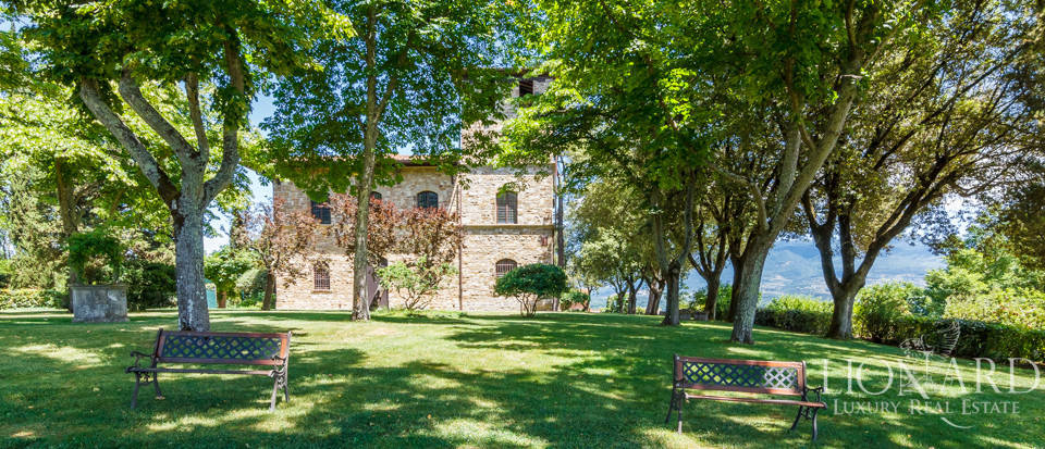Refined farmstead for sale in Tuscany Image 6