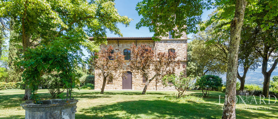 Refined farmstead for sale in Tuscany Image 7