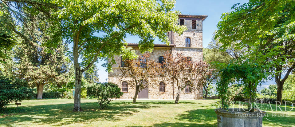 Refined farmstead for sale in Tuscany Image 8