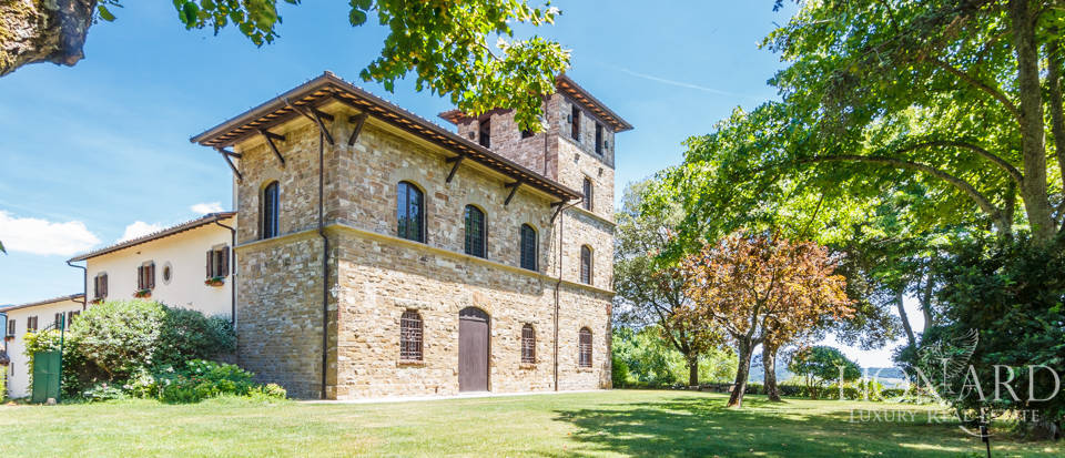 Refined farmstead for sale in Tuscany Image 5