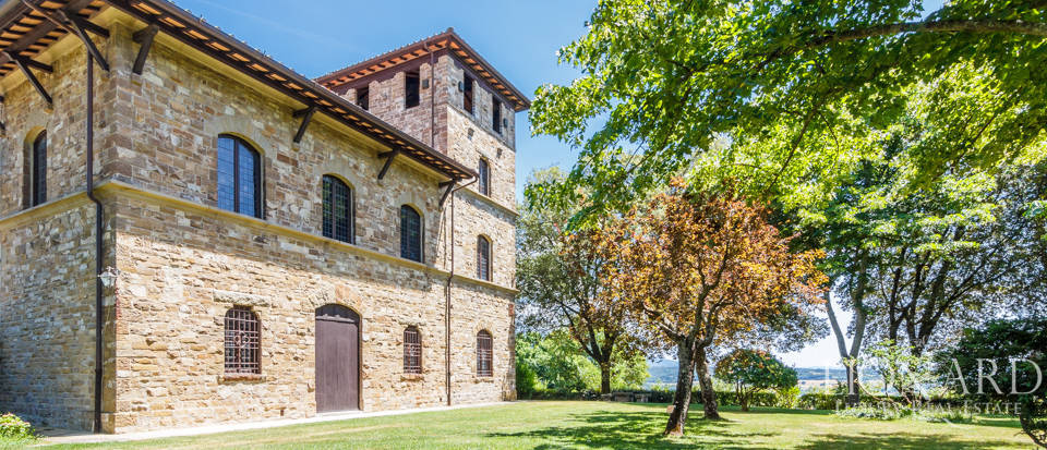 Refined farmstead for sale in Tuscany Image 4