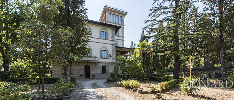 Luxurious villa with turret for sale near Florence Image 1