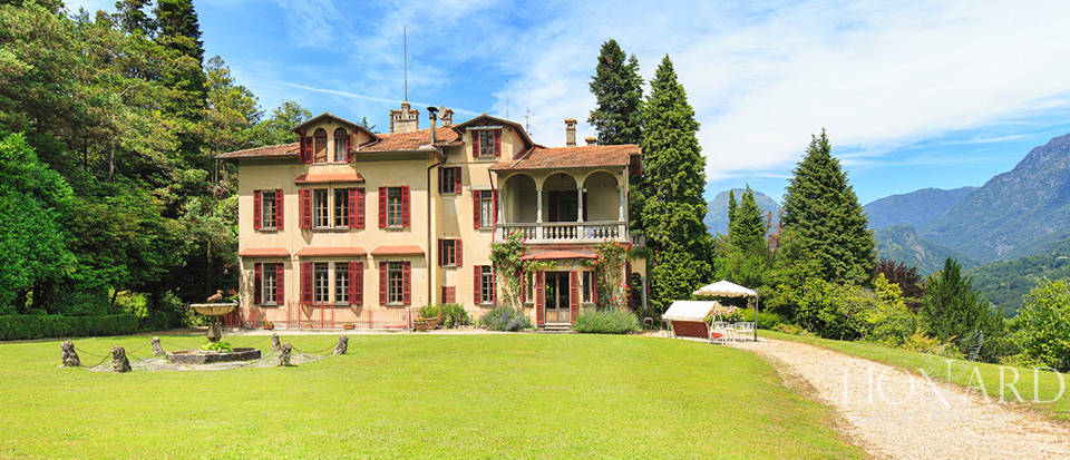 Luxurious villa for sale in Menaggio Image 3