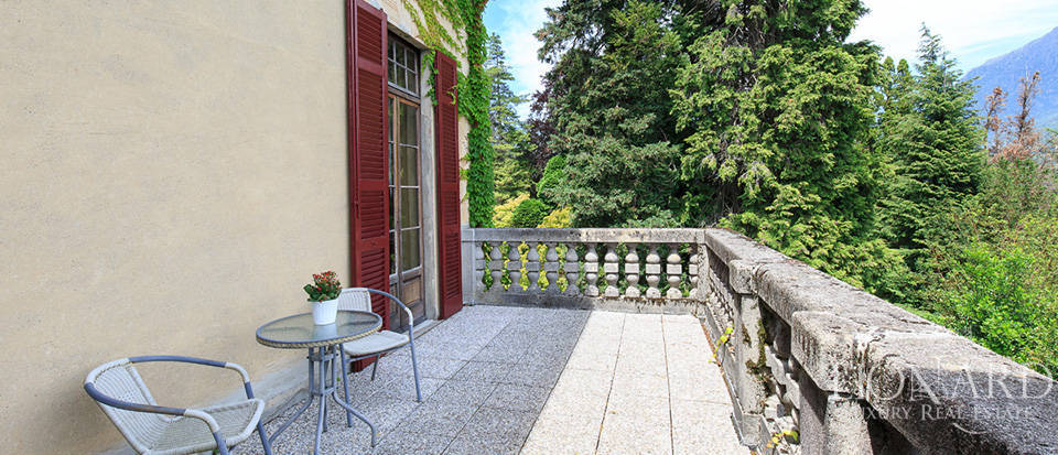 Luxurious villa for sale in Menaggio Image 23