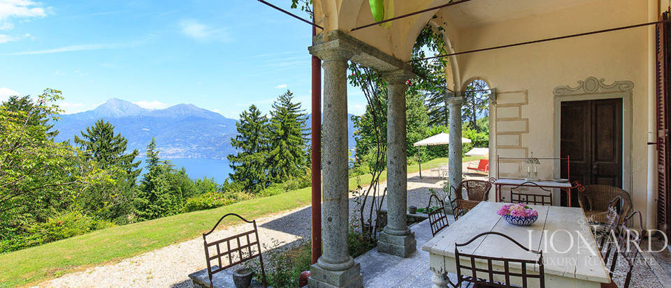 Luxurious villa for sale in Menaggio Image 16