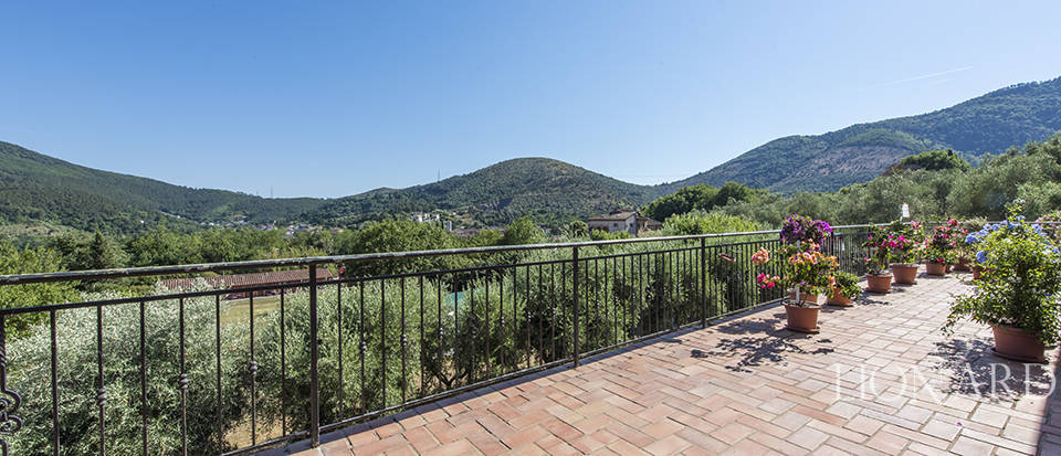 Luxury villa for sale in Tuscany Image 34