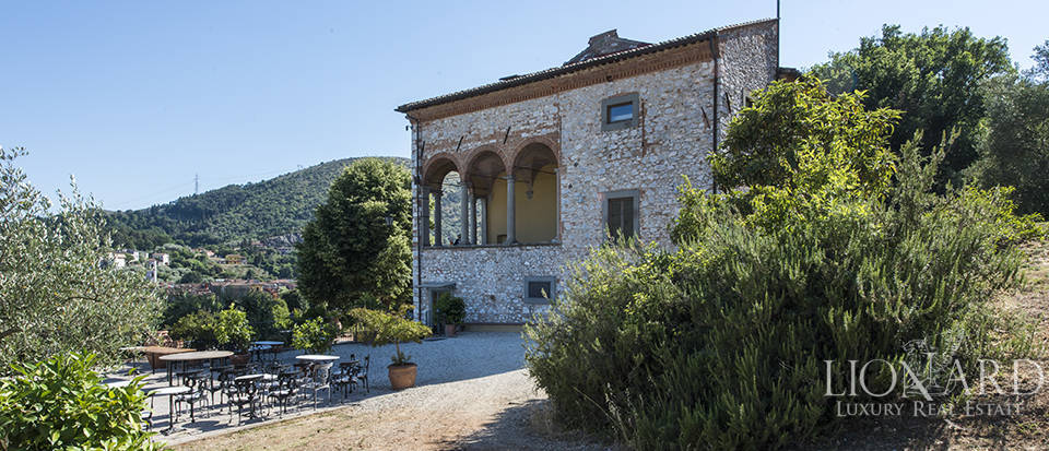 Luxury villa for sale in Tuscany Image 5
