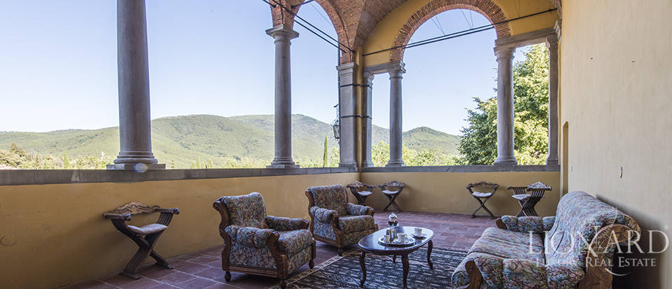 Luxury villa for sale in Tuscany Image 20