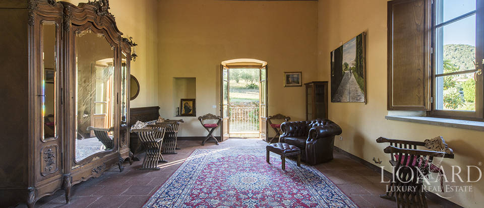 Luxury villa for sale in Tuscany Image 21