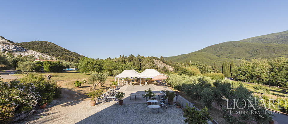 Luxury villa for sale in Tuscany Image 15
