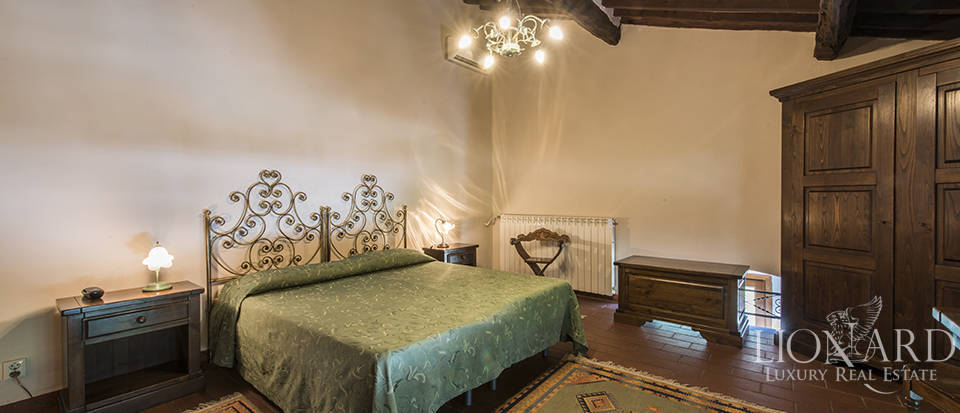 Luxury villa for sale in Tuscany Image 26
