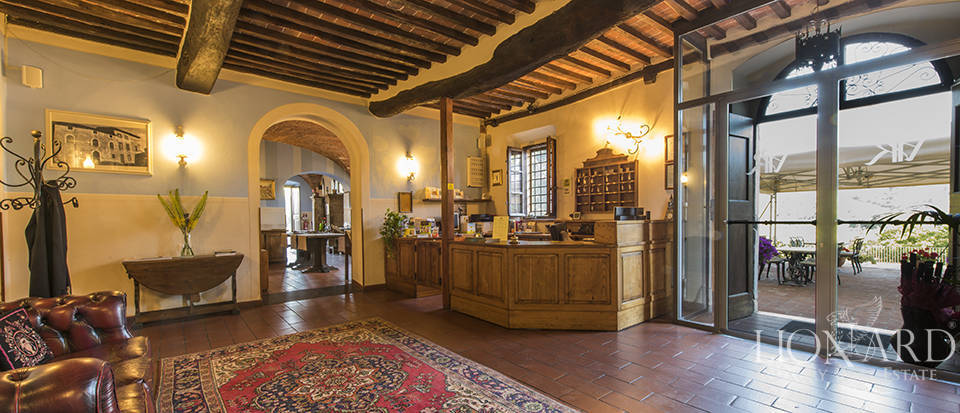 Luxury villa for sale in Tuscany Image 30