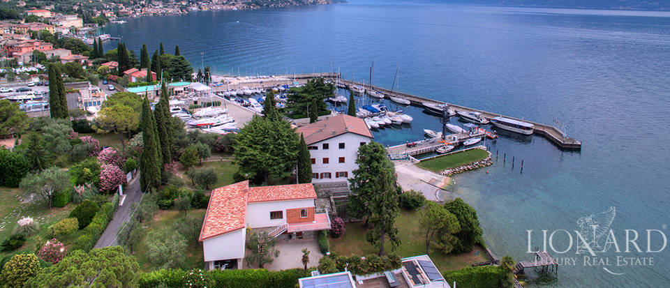 charming luxury villa overlooking lake garda