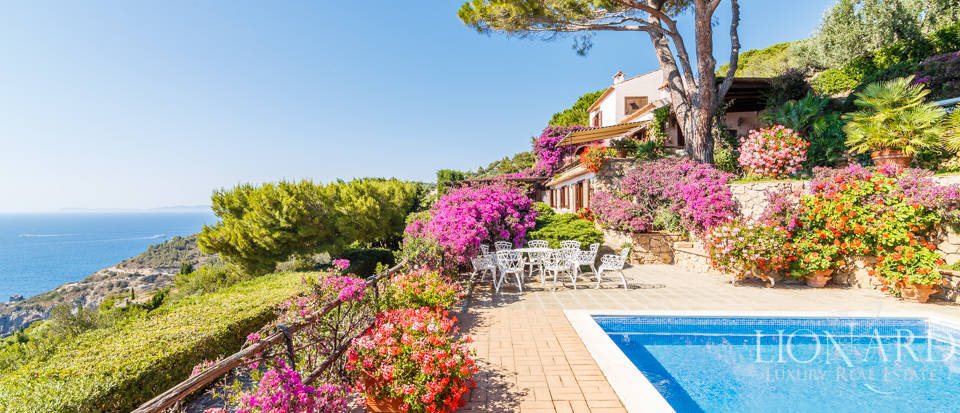 Luxury villa for sale in Mount Argentario Image 1
