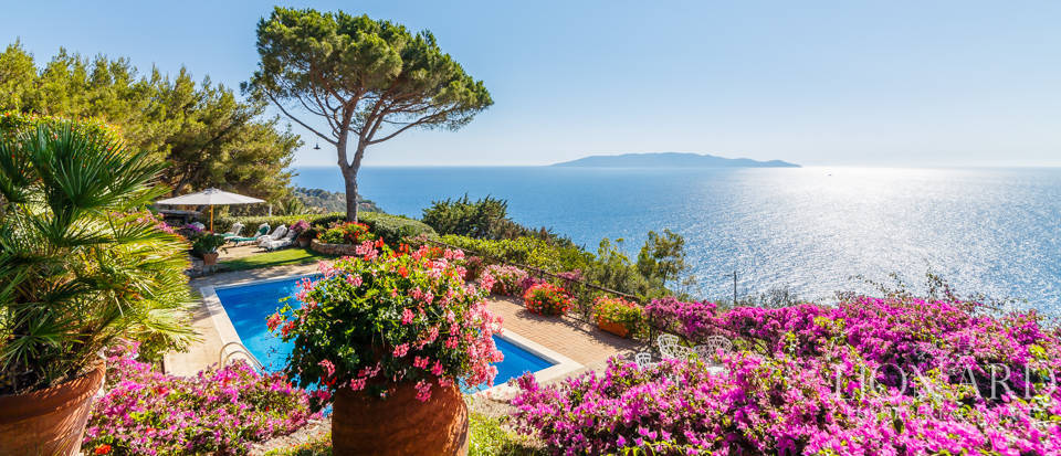 Luxury villa for sale in Mount Argentario Image 6