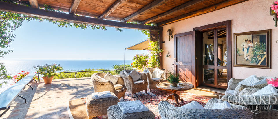 Luxury villa for sale in Mount Argentario Image 7