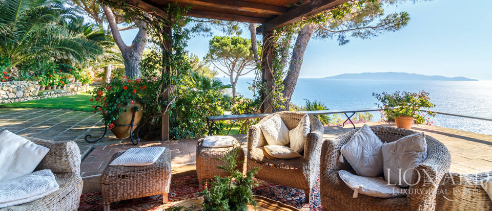 Luxury villa for sale in Mount Argentario Image 11