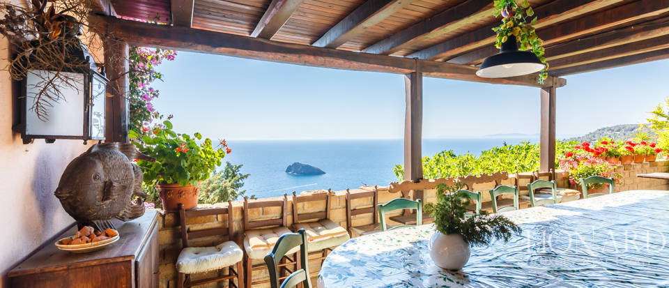 Luxury villa for sale in Mount Argentario Image 15