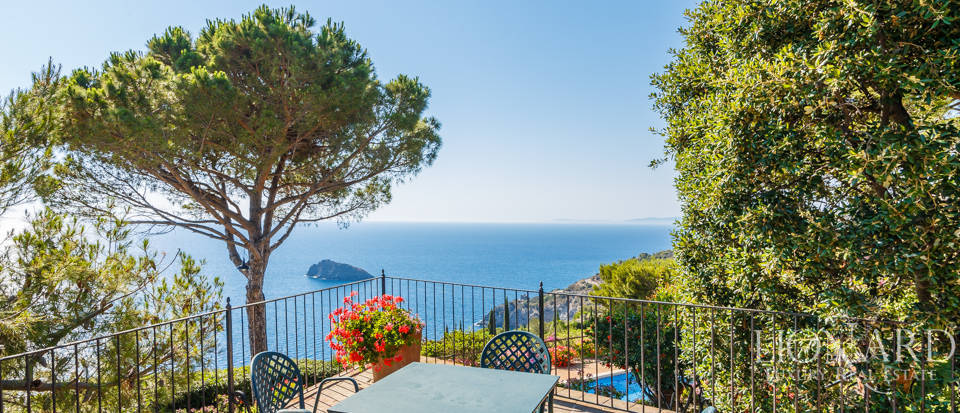 Luxury villa for sale in Mount Argentario Image 18