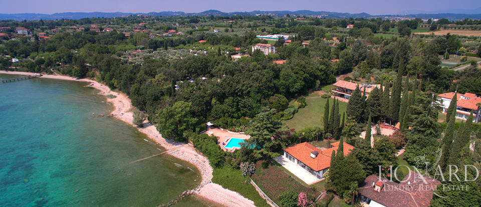 Villa for sale by Lake Garda Image 35