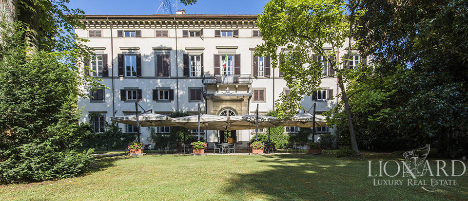 Charming hotel in an 18th-century villa in Lucca Image 1