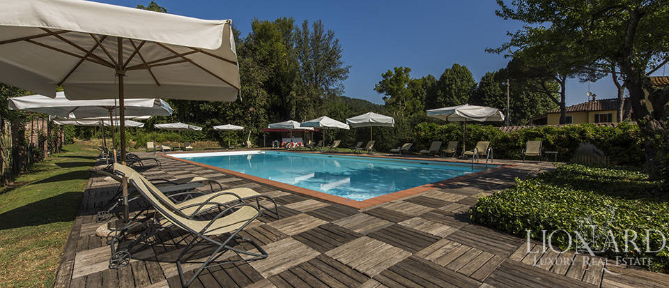 Refined villa for sale in Tuscany Image 10