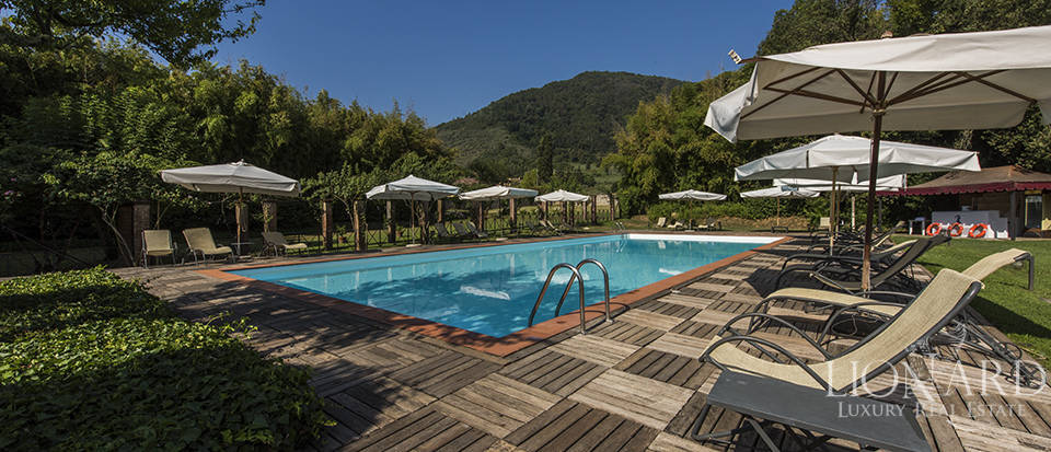 Refined villa for sale in Tuscany Image 11